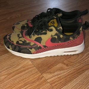 NIKE AIR MAX camo shoes